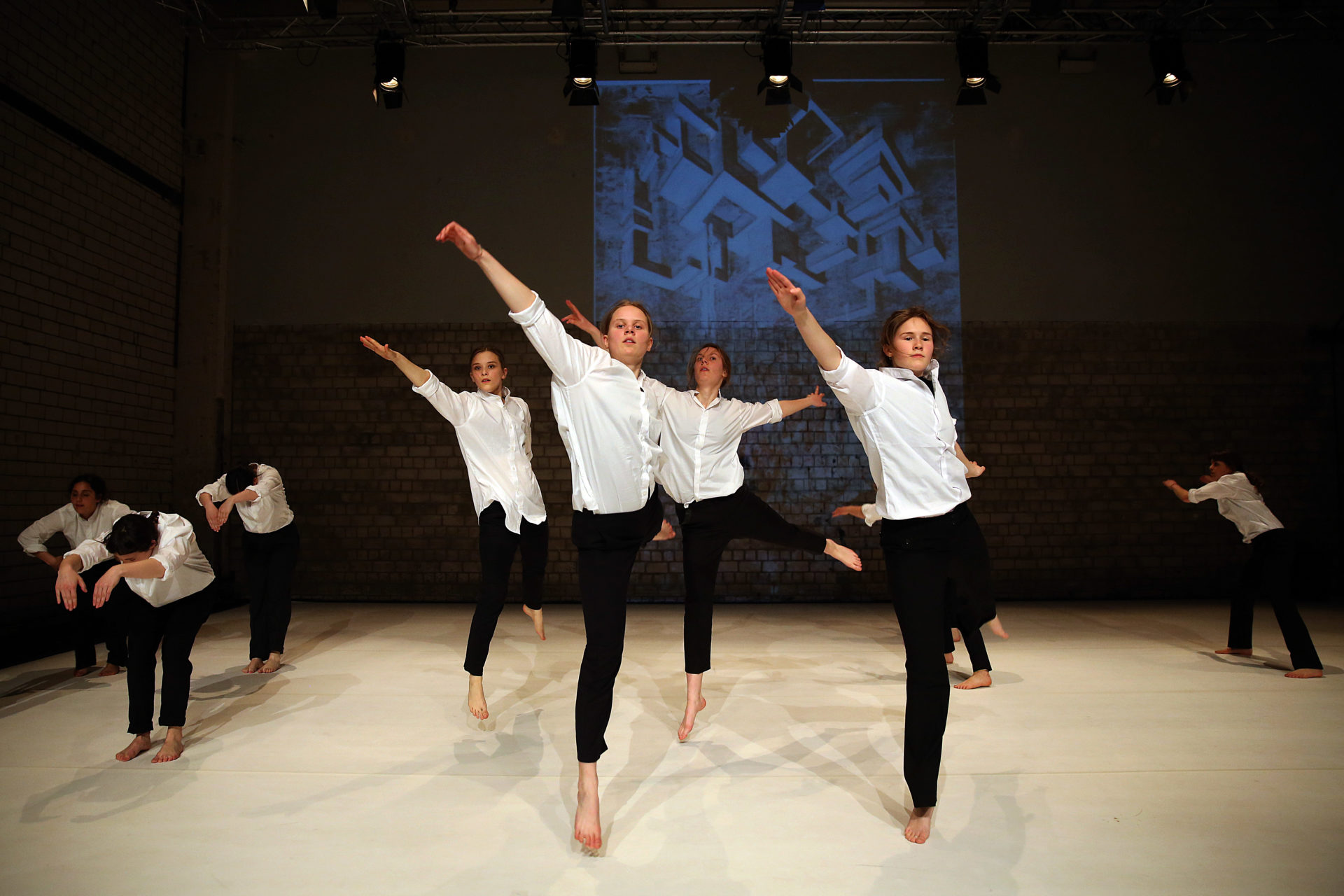 K3 Jugendclub - CONDUCT MY DANCE / Friederike Lampert / Rami Olsen