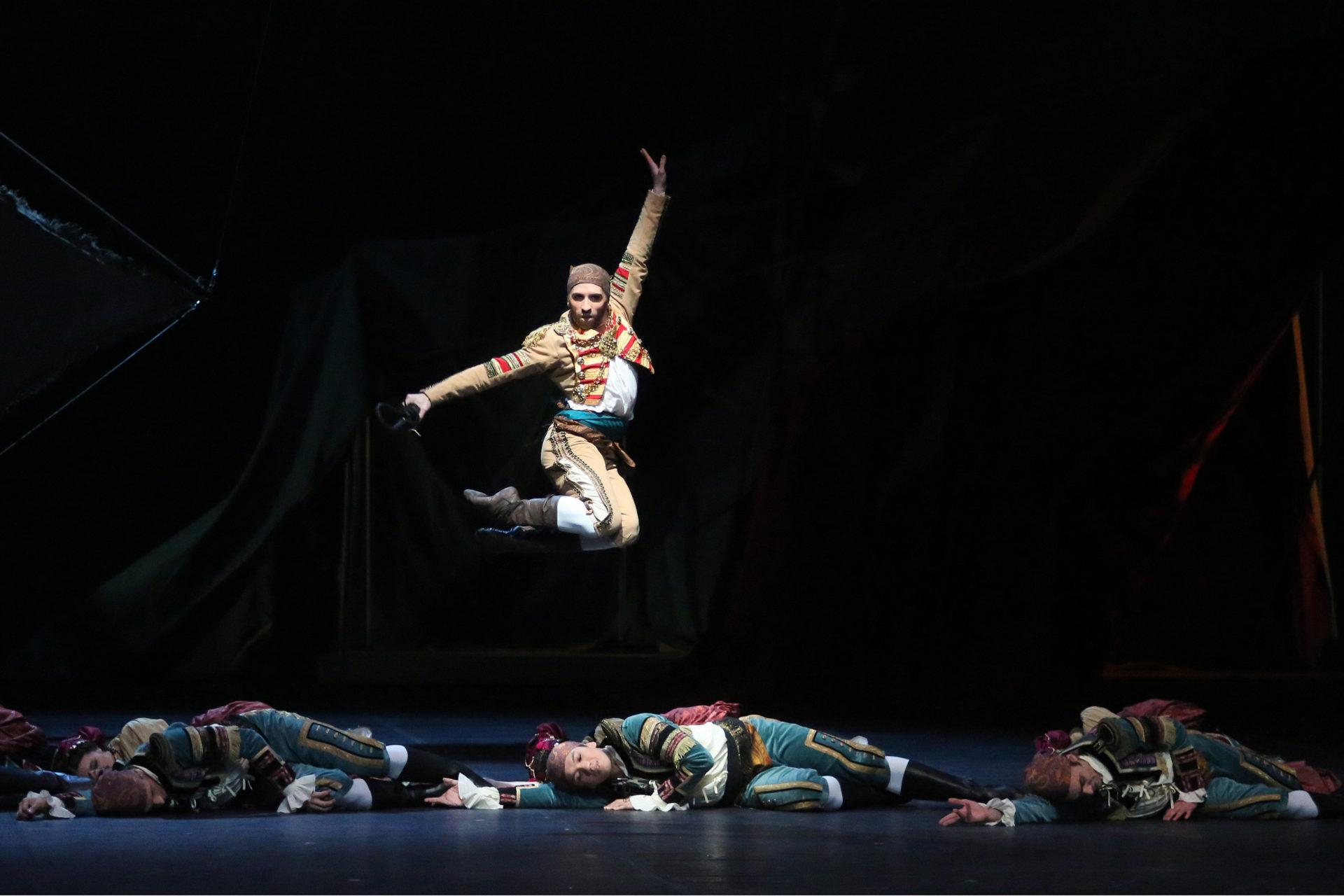 Don_Quixote_HH_Ballett_Foto_AnjaBeutler.de_337