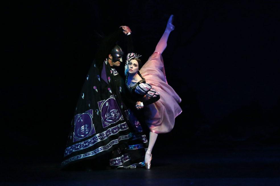ILLUSIONEN WIE SCHWANENSEE – Hamburg Ballett / John Neumeier