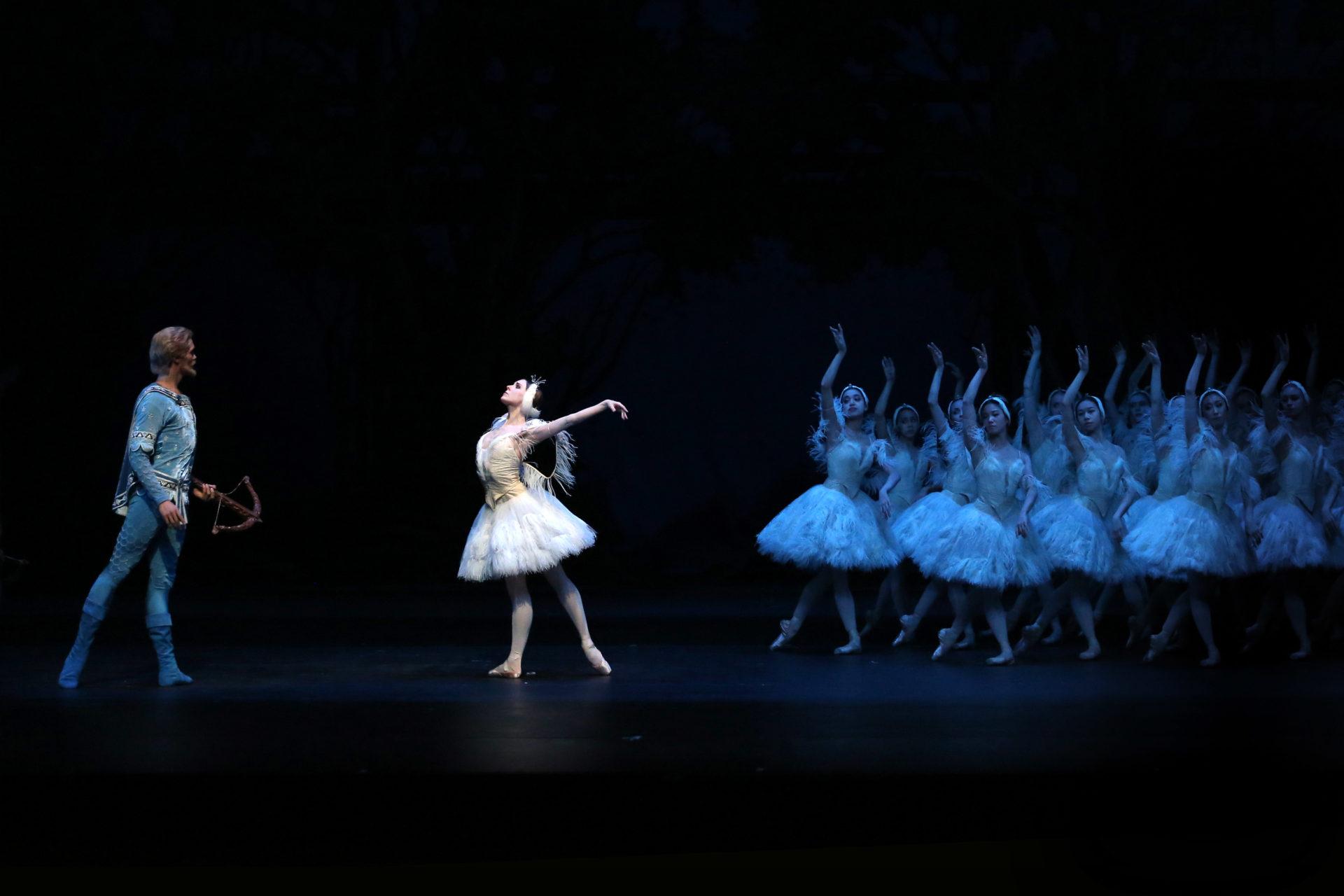 1804_Illusionen_wie_Schwanensee_HH_Ballett_AnjaBeutler.de_04