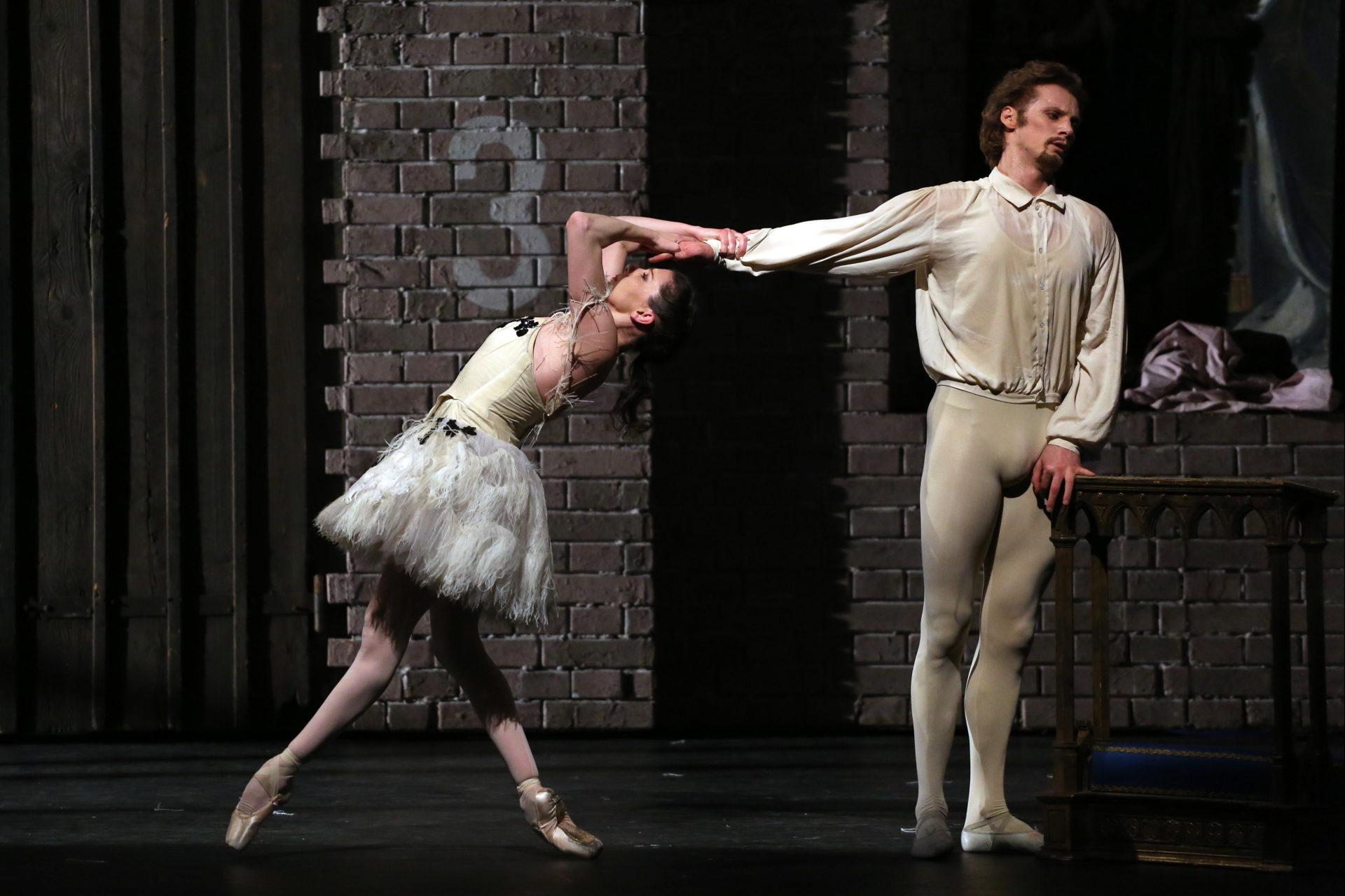 1804_Illusionen_wie_Schwanensee_HH_Ballett_AnjaBeutler.de_14
