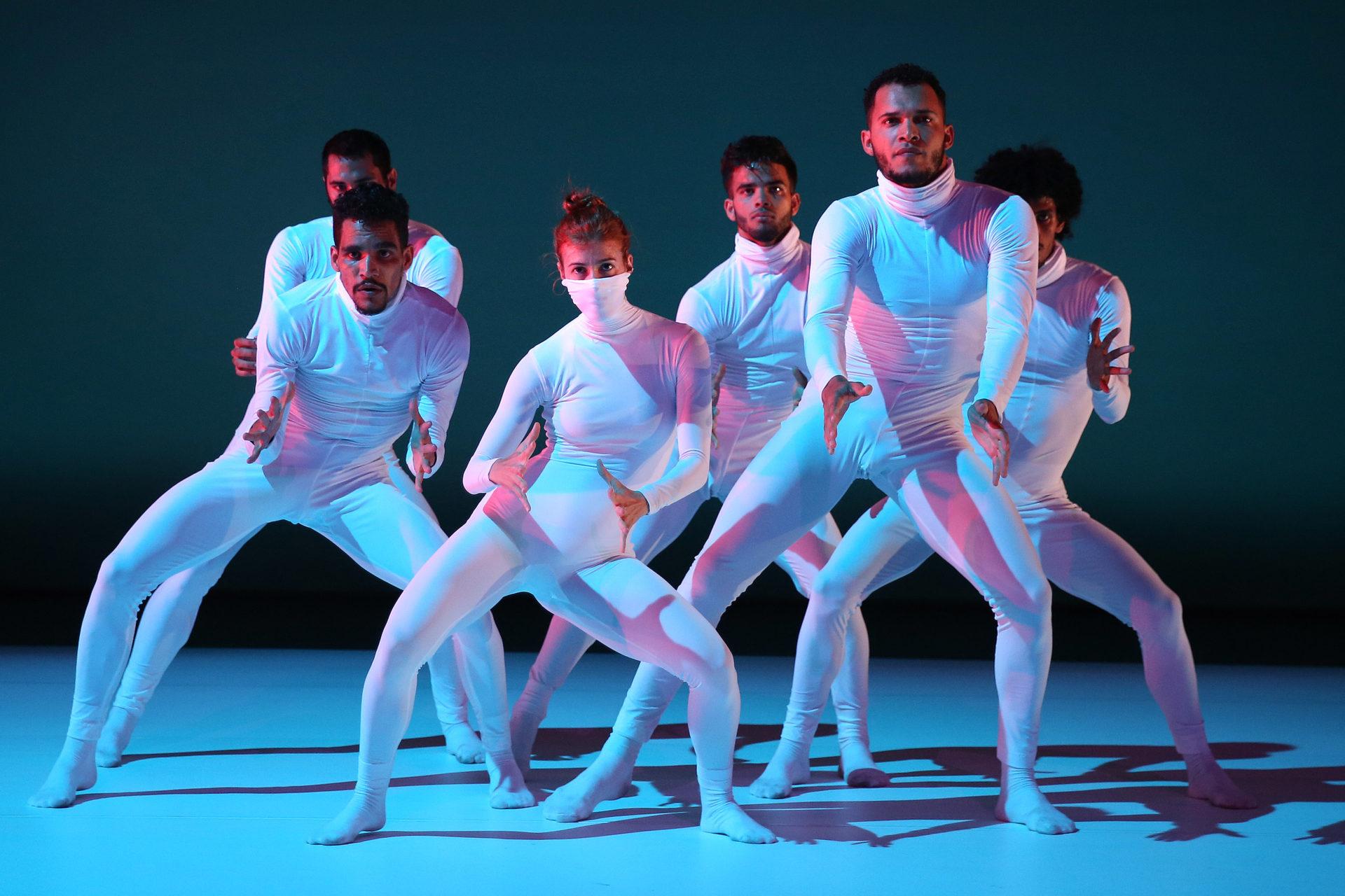 LIQUIDOTOPIE by Cecilia Bengolea / Malpaso Dance Company